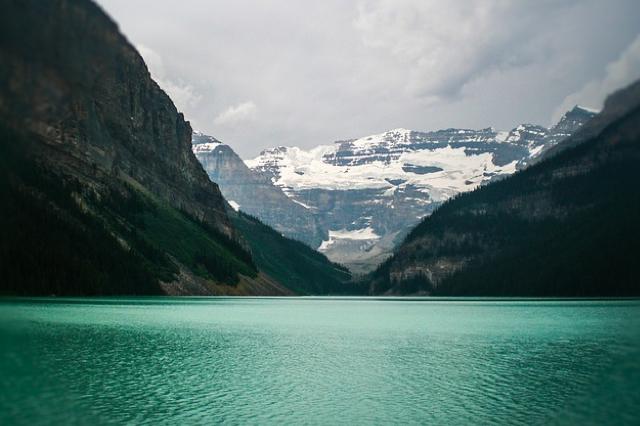 lake-louise-2078089_640